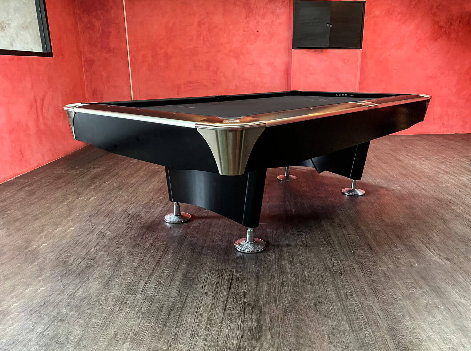 Rhino X8 Pool Table